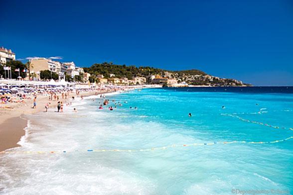 Пляж в городе Ницца