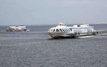 "Laivat ""Meteor""   Pietarhovissa"