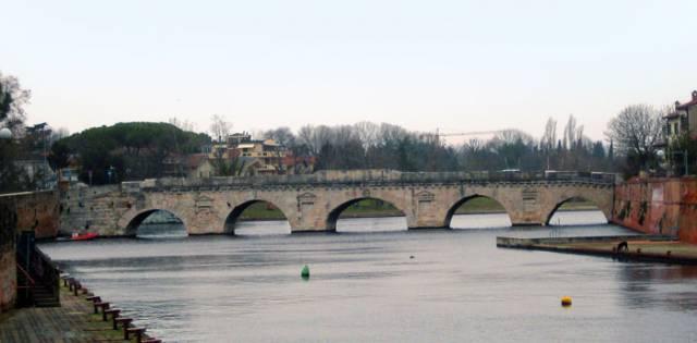 Tiberiuksen silta, Rimini