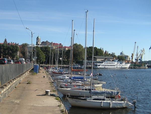 Причал для яхт и пассажирский порт в Выборге
